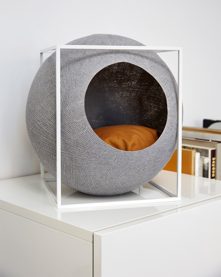 Furniture_for_cats_Meyou_Paris_dezeen_936_7__1610293514_523